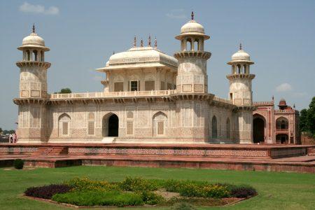 Agra – trzy grobowce