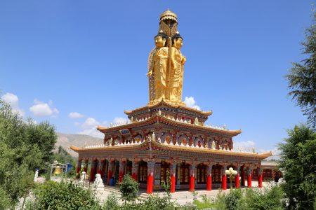 Wutong i Longwu – lamaistyczne klasztory w dolinie Tongrenu