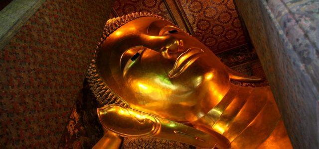 Świątynie Bangkoku.                                   Wat Pho & Wat Traimit