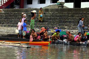 Danau Tempe – życie na wodzie