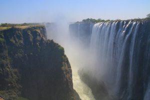 Victoria Falls. Wodospady i bungee pośród słoni
