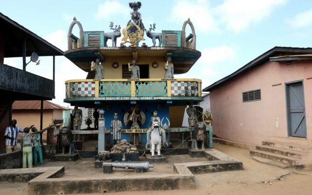 Świat Sanktuariów Posuban i kolonialnych fortów – Mankessin, Anomabu i Elmina